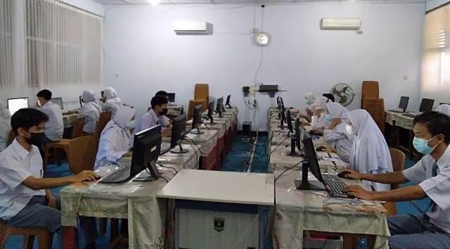 USP Berbasis Komputer SMA Negeri 1 Rambatan